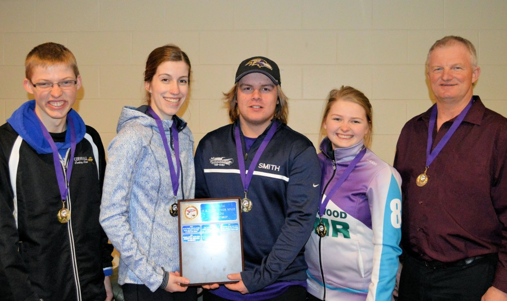 Cornwall's Veronica Smith rink goes undefeated to win low-scoring Advantage Comm. Junior Mixed final in extra end